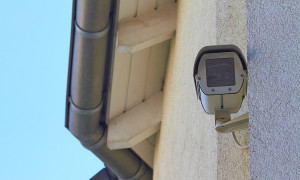Sensoren und Überwachung: Intelligente Alarmtechnik zum Schutz vor Einbruch